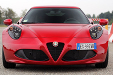 Alfa Romeo 4C Türkiye'ye geliyor