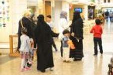 Halit Ergenç Arap kadınların arasına kaldı