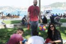 Halit ve Bergüzar'ın ailecek piknik keyfi