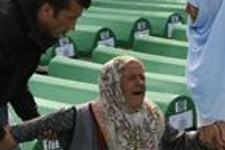 Srebrenica katliamının kurbanları anılıyor