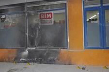 Adanada BİM mağazası kundaklandı