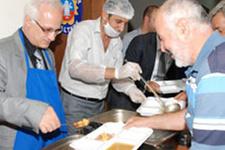 Maltepe'de iftar hazırlıkları sürüyor