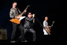 U2'nun söylediği Türkçe şarkı mest etti