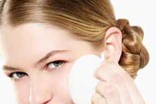 Cilt lekelerine karşı kozmetik ürün