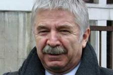 Başbakan Ali Kırca'yı unutmadı!
