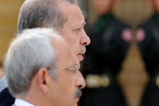 AK Parti ve CHP'nin taktiklerine kızdı