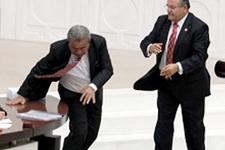 Uslu, CHP'nin hedefinden düşmedi!