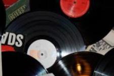 BBC müzik radyosu 1 Ocak'ta sadece plak çalacak