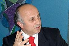 Yaşar Nuri Öztürk kiminle nişanlandı?