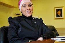 İlk başörtülü başkan Bosna'dan