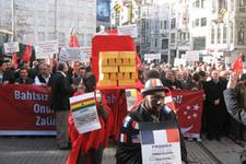 Fransa'ya altınlı protesto