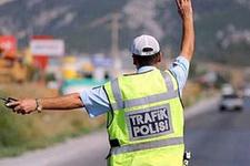Polis yorgun sürücüye duş aldıracak