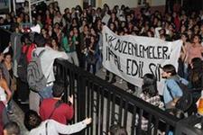Üniversiteli kızlar ayaklandı!
