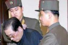 'Kuzey Kore lideri eniştesini köpeklere yedirtti'
