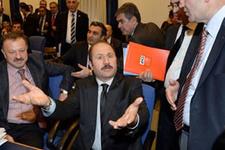 Gazeteciler dışarı çıktı komisyon karıştı İZLE