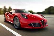 Alfa Romeo 4c piste çıkıyor!