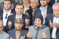 Türbanlı başkan göreve dualarla başladı