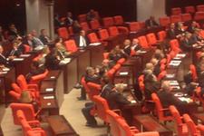 CHP'liler Egemen Bağış'a sırtını döndü
