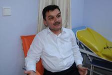 AK Parti'li Başkana yumruklu saldırı
