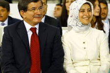 Başbakan Davutoğlu ve eşinden iftar sürprizi