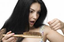 Saç dökülmesine dikkat! Hastalık habercisi