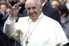 Papa'nın yeni otomobili görücüye çıktı!