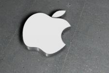 Apple'dan otomobil bombası hem de...