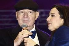 İpek Açar'dan Kayahan için anlamlı şarkı