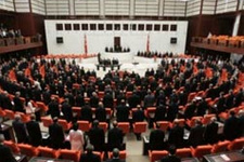 Pamukoğlu'na göre Meclis'e girecek 5 parti