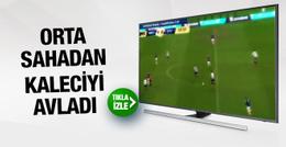 Juventuslu Moreno orta sahadan kaleciyi avladı