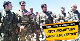 PKK'lı terörist, ABD'li komutanın yanında