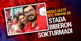 Süper Lig'de 1 yaşındaki bebeğin biberonu stada alınmadı!