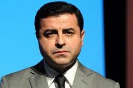 Selahattin Demirtaş Türkiye'yi felakete sürüklüyor!