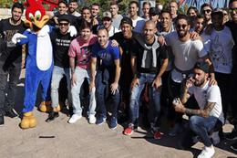 Barcelonalı futbolcular lunaparkta eğlendi
