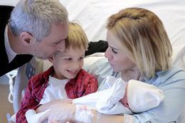 Doğum yapan Esra Erol ile bebeğinin son görüntüsü