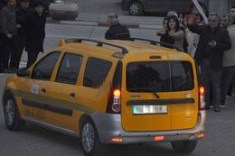 FETÖ şüphelisi iş adamları cezaevine taksi ile götürüldü!