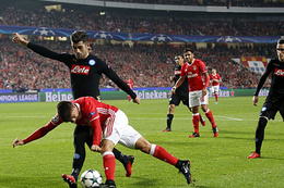Napoli kazandı Benfica ile beraber turladı!