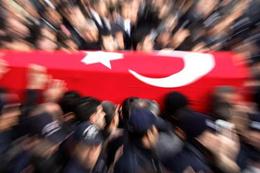 Cizre ve Sur'da PKK pususu yine şehit var!