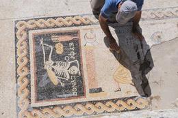 Gündeme oturan mozaiği ortaya çıkaran arkeolog konuştu!