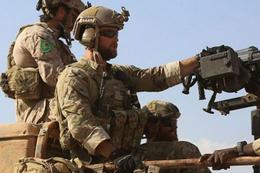 ABD askerlerinin üniformasındaki YPG arması!