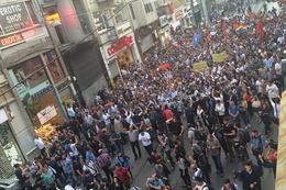 Gezi'nin yıldönümünde İstiklal'de toplandılar!