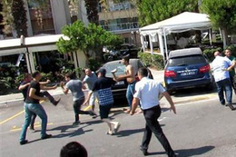 İzmir'de palalı sopalı zabıta-esnaf kavgası!