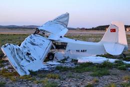 Balıkesir'den kalkan uçak düştü! 2 ölü!