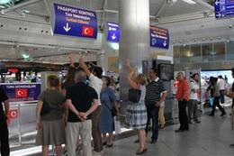 Atatürk Havalimanı'nda 58 FETÖ'cü yakalandı!