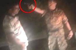 İşte darbeci askerin vatandaşı vurduğu an...