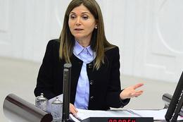 MHP'li Topçu istifa etti Bahçeli kabul etti