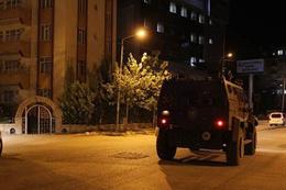 Van'da polis karakoluna saldırı!