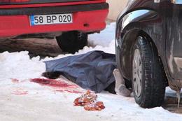 Sivas'da dehşet! 5 çocuk annesi sokağın ortasında öldürüldü