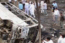 Tam felaket okul servisiyle kamyon çarpıştı 24 ölü
