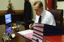 İşte Erdoğan'ın masasındaki son anket!.